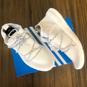 Adidas Arkyn white sneakers running shoes